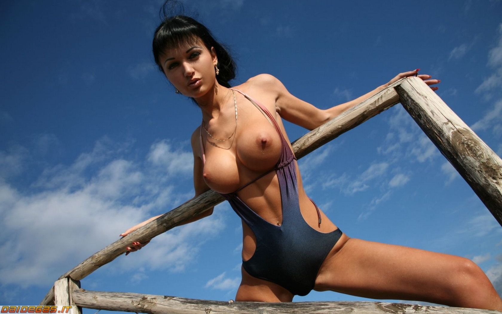 Картинки голые модели в купальниках #1