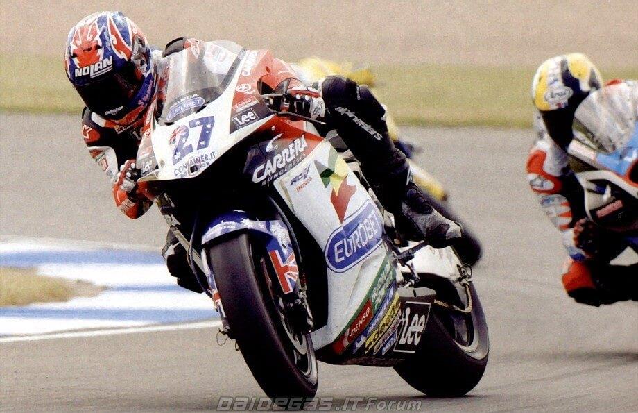 2006-casey-stoner-honda-motogp-drift.jpg
