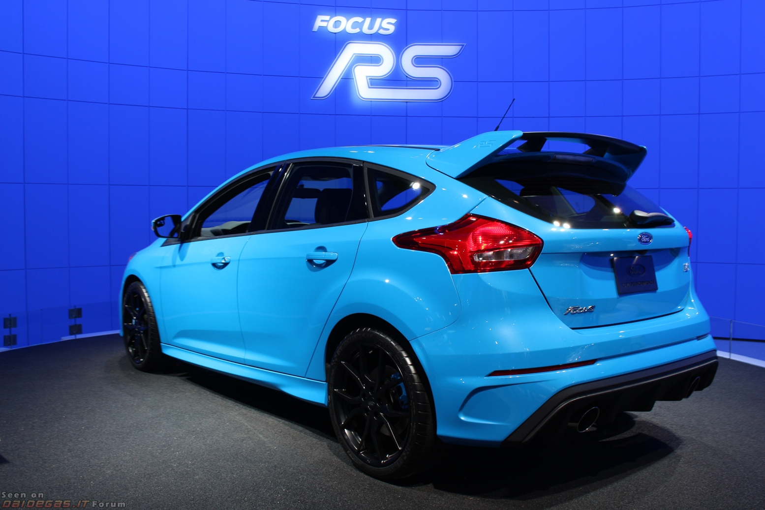 Ford Focus RS - Car and Driver