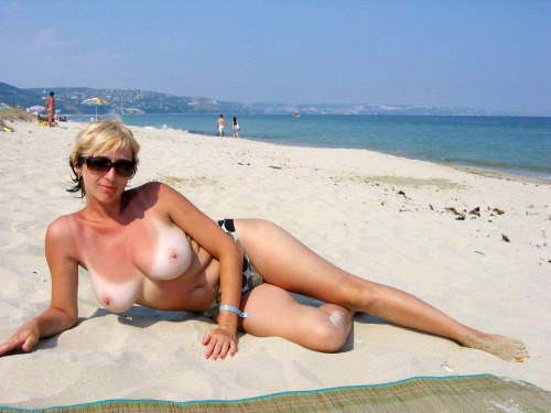 Мамочка на пляже