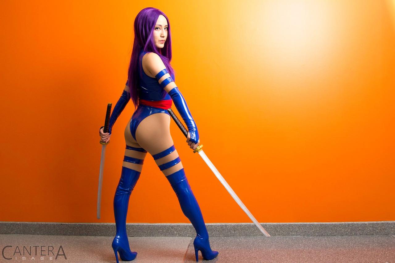 [IMG]http://www.daidegasforum.com/images2/411/cosplay-hot-babe.jpg[/IMG]