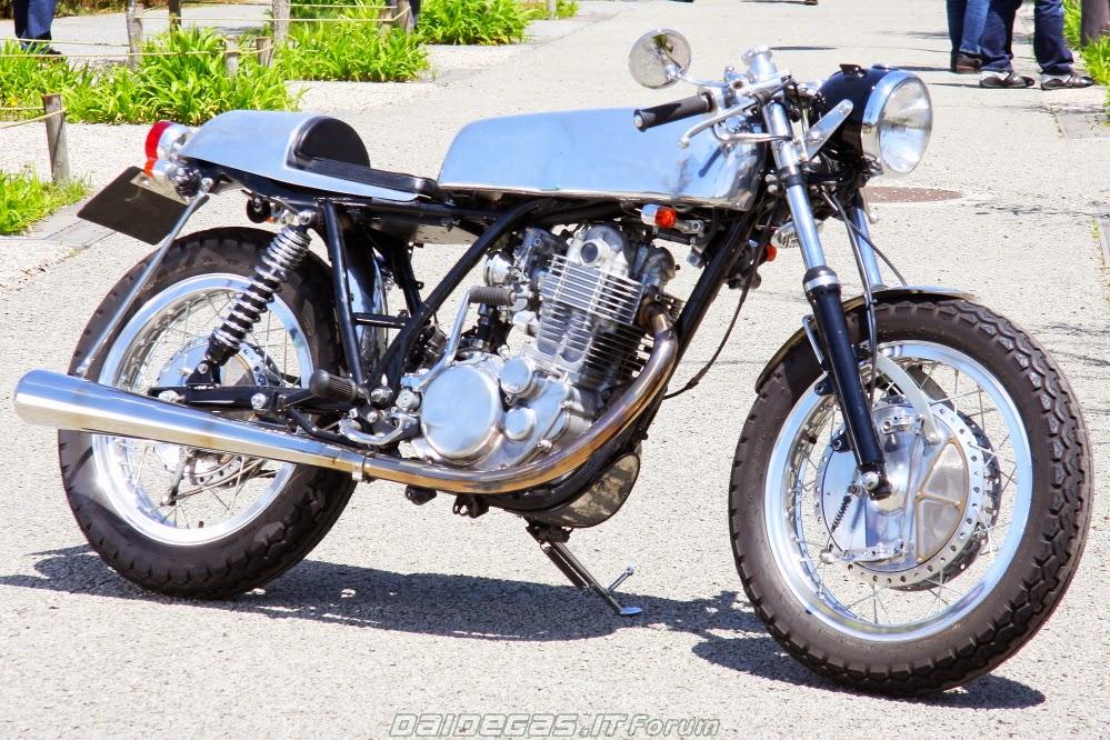 2002-yamaha-sr-400-by-cascada-moto-design-1.jpg