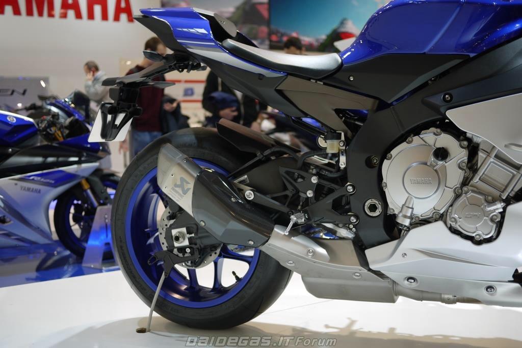 Akrapovic Slipon Yamaha R1 2015