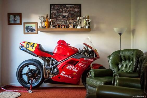 moto in casa daidegas forum. Black Bedroom Furniture Sets. Home Design Ideas